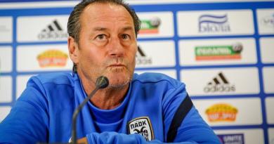 Huub Stevens tritt als Cheftrainer bei TSG 1899 Hoffenheim zurück